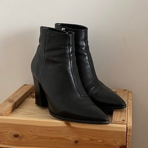 L'INTERVALLE Leather Booties -Size 8.5